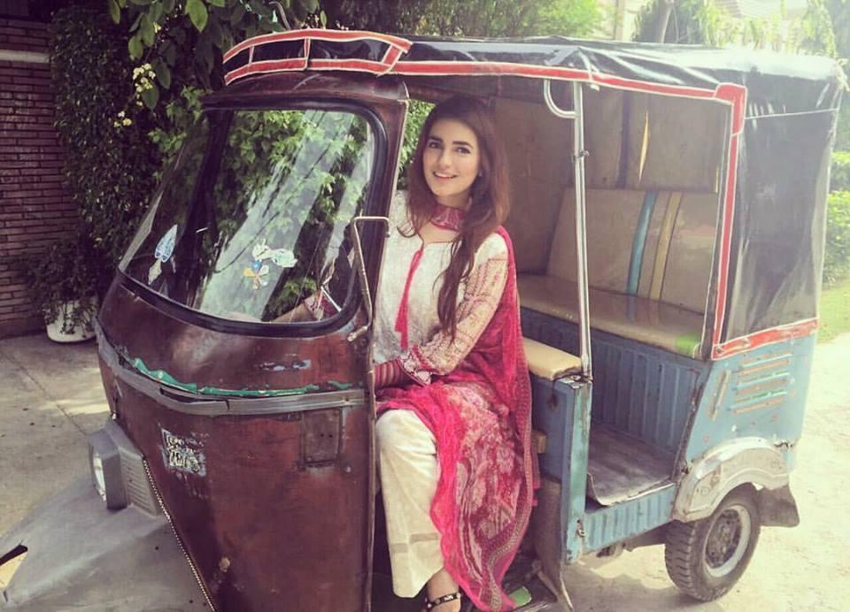 Momina Mostehsan (Rakshaw Wali)