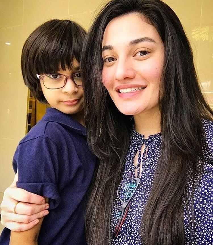Muniba Mazari With Her Cute Son