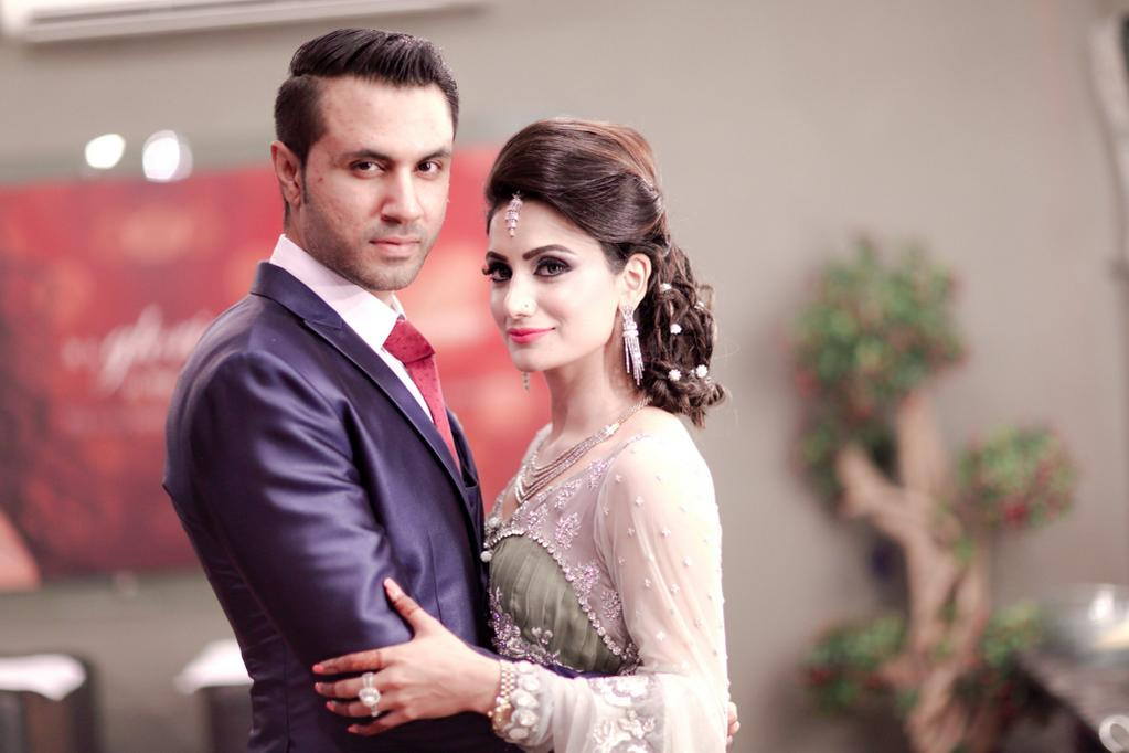 Mustafa Zahid With His Wife Latest Picture