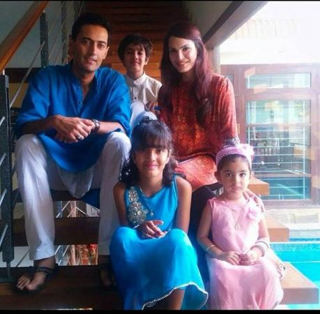 Nadia Hussain With Her Family