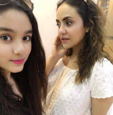 Nadia Khan With Her Daughter