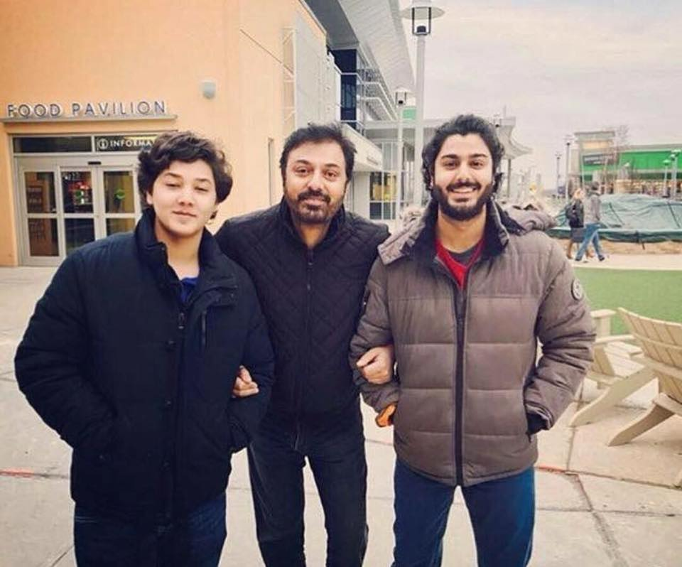 Nauman Ejaz With His Sons In Canada