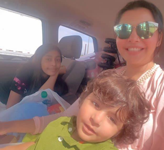 Nida Yasir With Daughter & Son In America