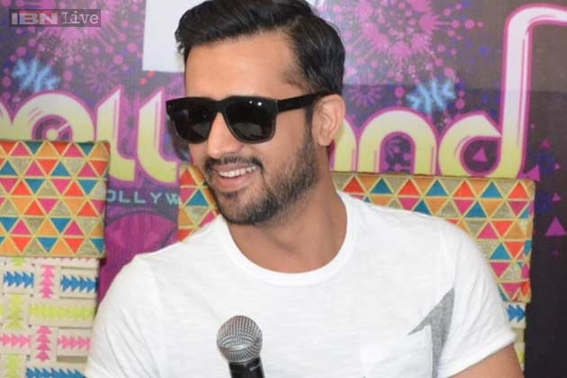 Pakistani Singer Atif Aslam Will Debut In Bollywood Movie