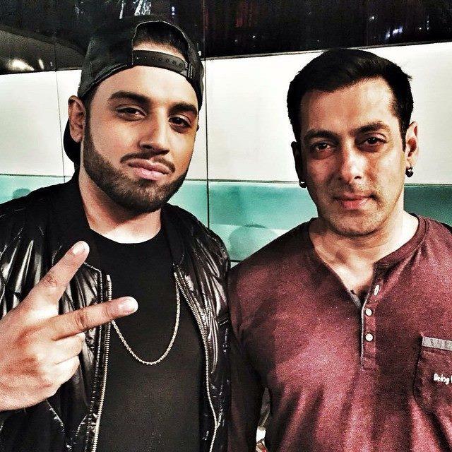 Pakistani Singer Imran Khan With Salman Khan