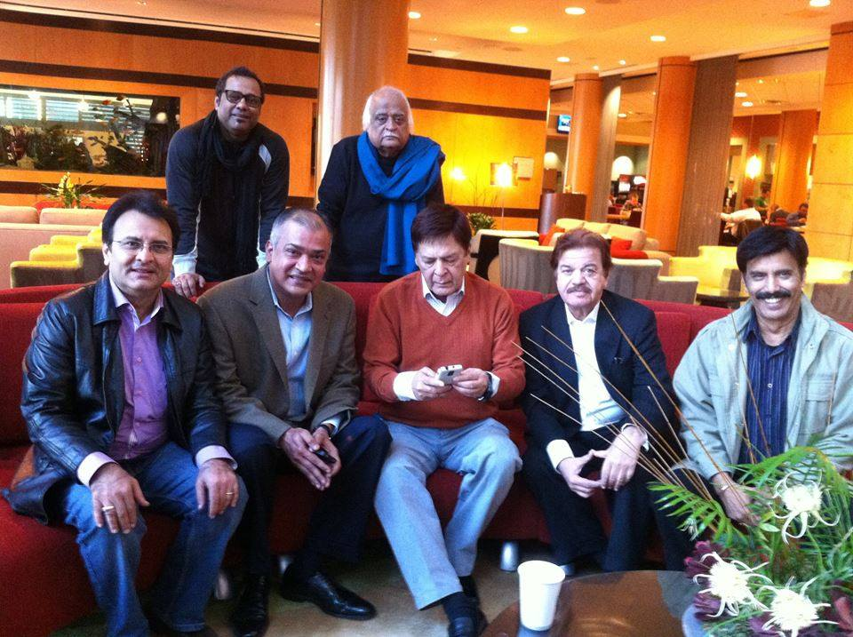 Pakistani Stars - Legends Together