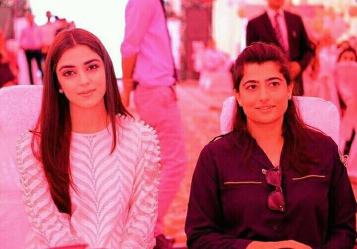 Pakistani Women Cricket Team Captain Sana Meer With Actress Maya Ali