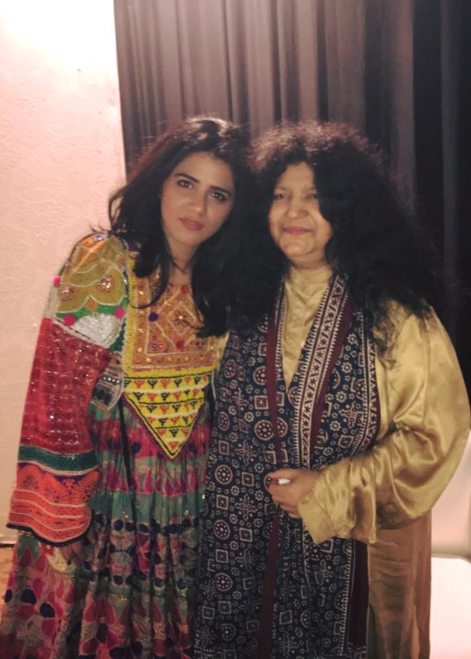 QB & Abida Parveen Spotted Back Stage