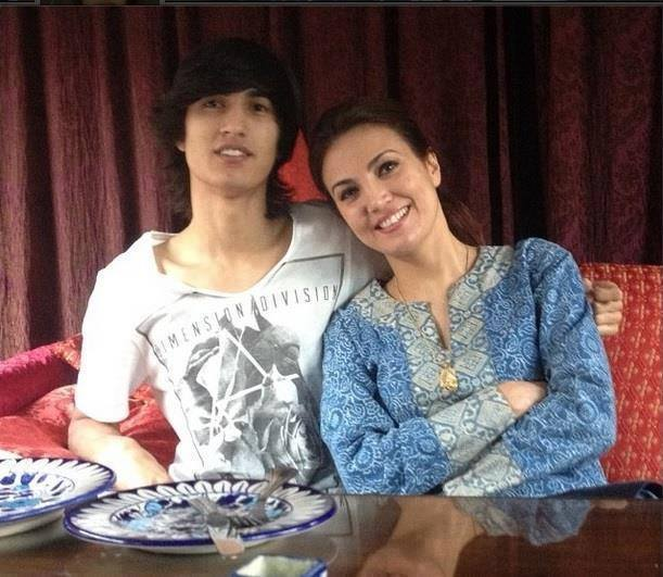 Reham Khan With Her Son