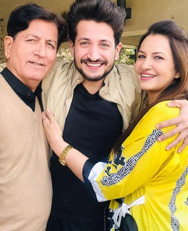 Saba Faisal With Her Son & Husband