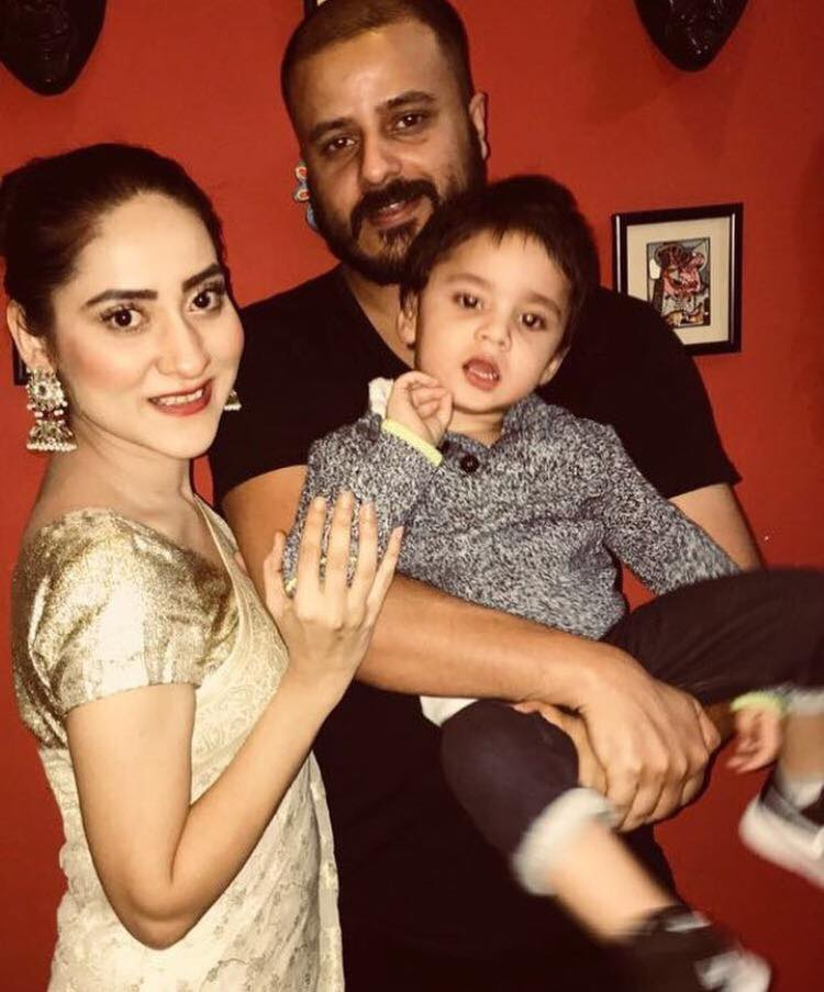 Sana Askari With Her Family