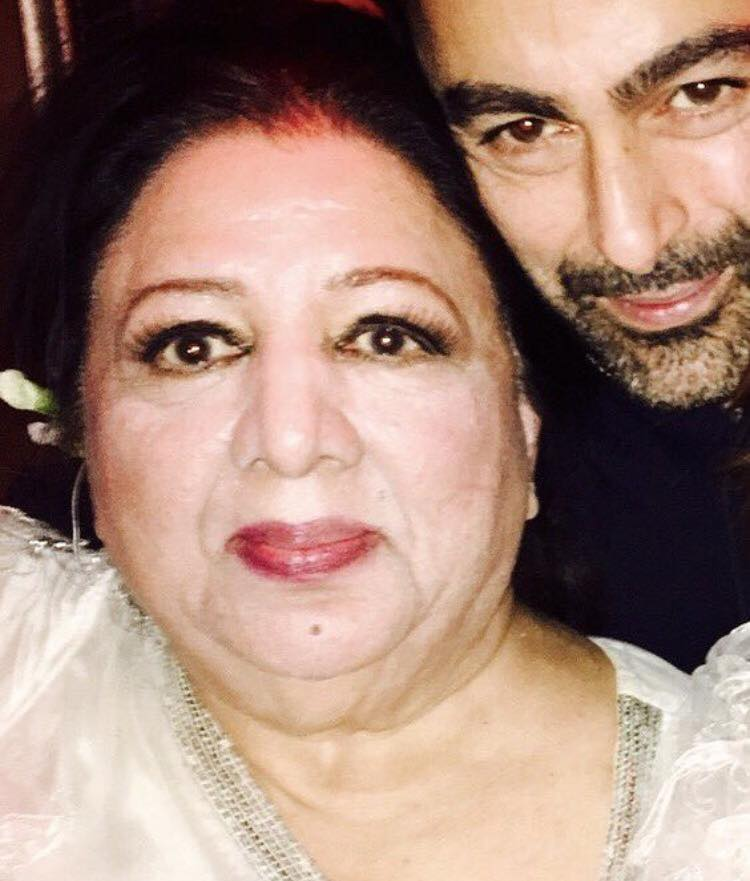 Shaan Shahid With His Mother