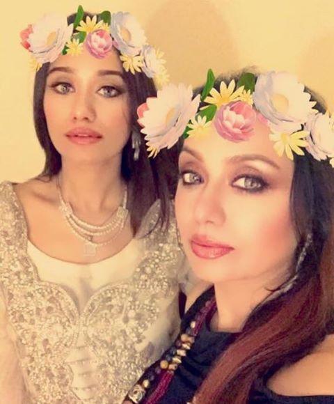 Shahida Mini With Her Daughter