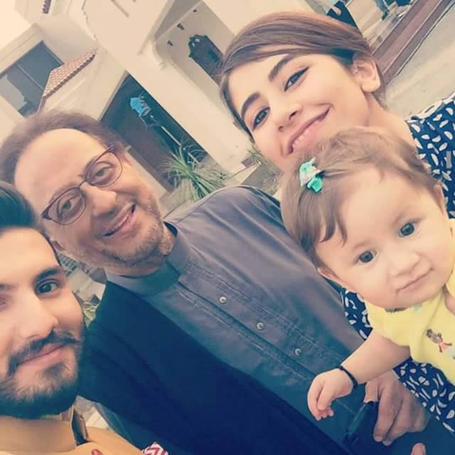 Shahroz With Family With Legendry Nadeem Baig
