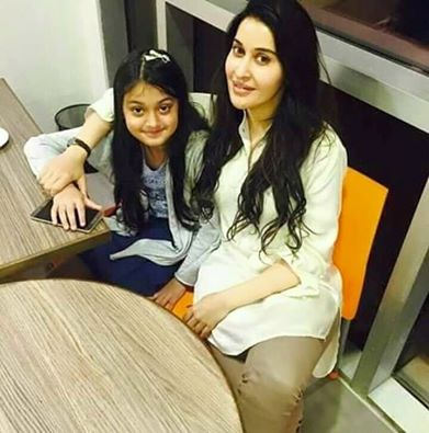 Shaista Lodhi‬ With Her Daughter