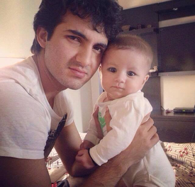 Shehroz Sabzwari With His Baby Daughter Nooreh