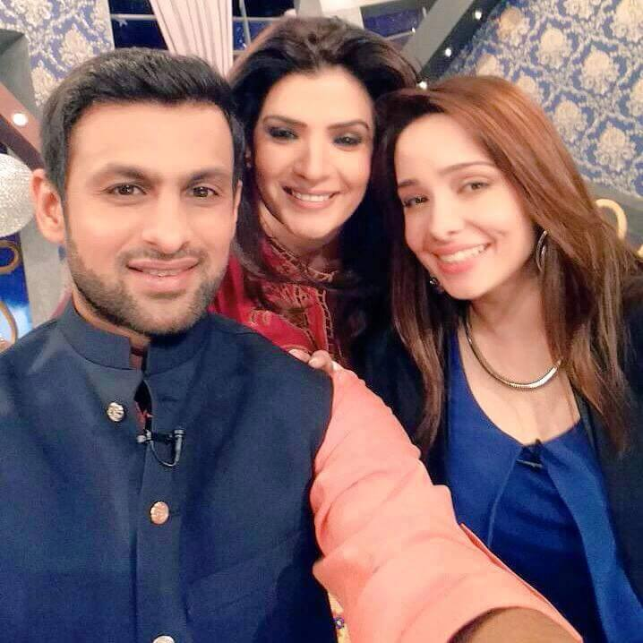 Shoaib Malik, Resham And Juggan Kazim Together