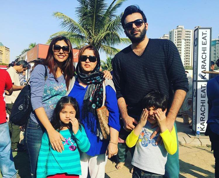 Sunita Marshall With Her Family At Karachi Eat Festival