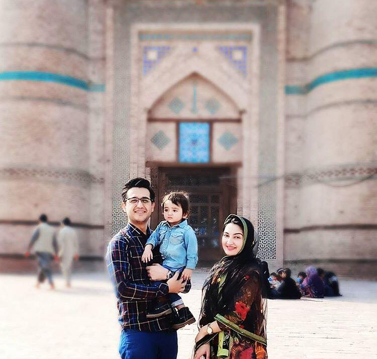 Syed Shafaat Ali In Multan With His Wife & Son
