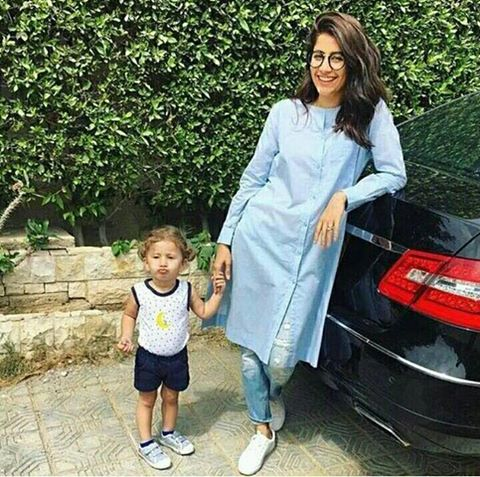 Syra Sheroz With Her Cute Daughter Nooreh