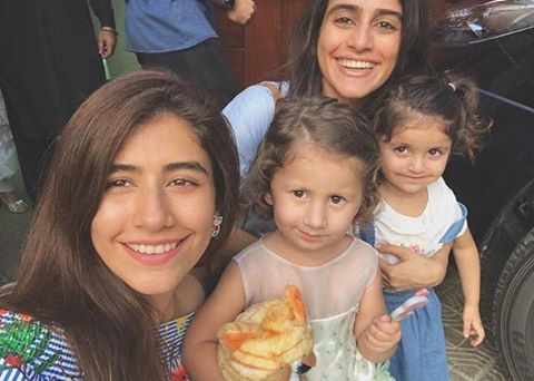Syra & Alishba With Their Cute Daughters