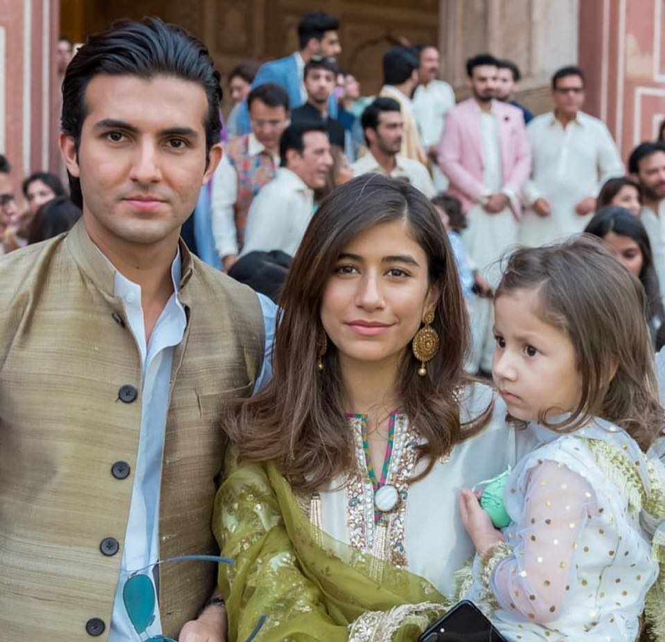 Syra & Shehroz With Their Daughter Nooreh At Badshahi Masjid, Lahore