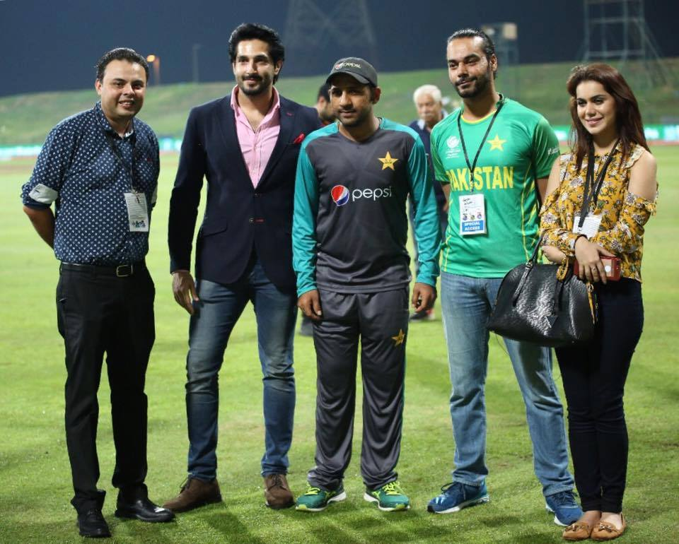 Team Rangreza With Captain Sarfaraz Ahmed At Dubai