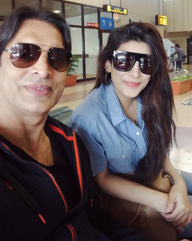 Urwa Hocane & Shoaib Akhtar Spotted At Lahore Airport