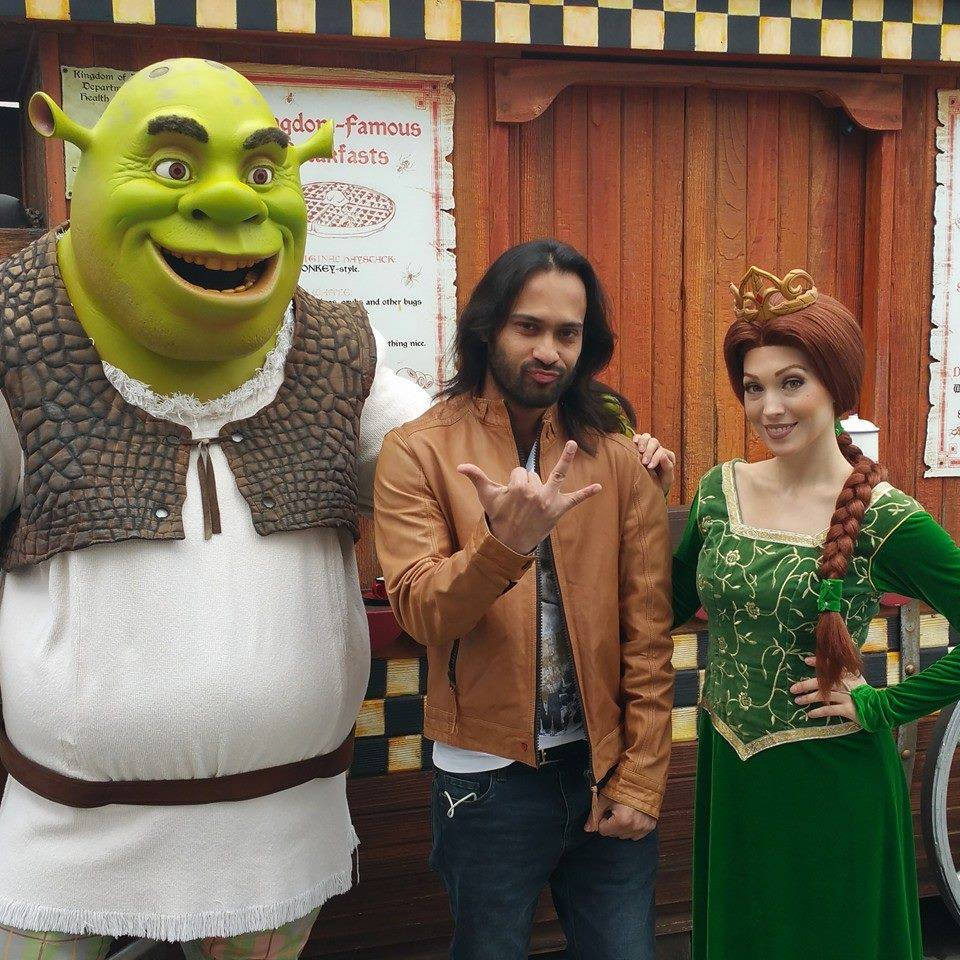 Waqar Zaka With Shrek And Fiona
