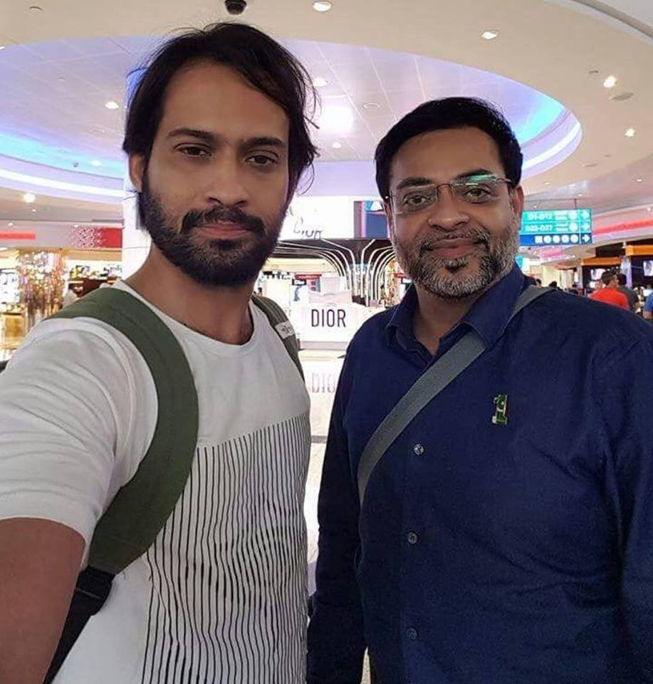 Waqar Zaka & Amir Liaquat At Airport Off To Maynmar
