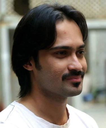 Waqar Zaka with his New Hair Style look