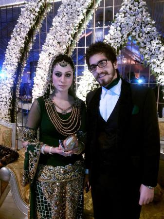Wedding Picture Of Pakistani Stage Drama Actress and Dancer Deedar With Her Husband