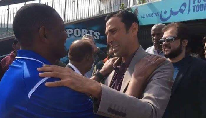 Younis Khan Meets Brazilian Football Coach In Karachi