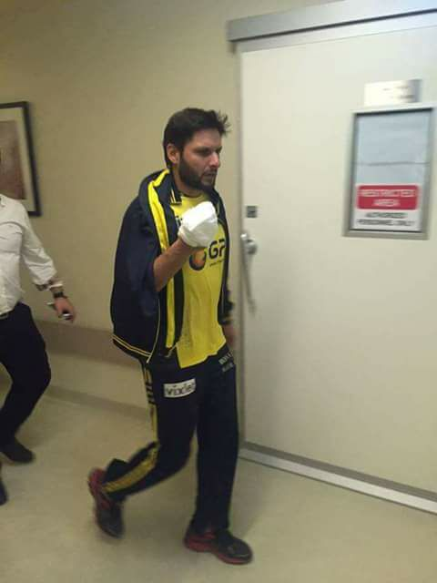 12 stiches In Afridi Hand