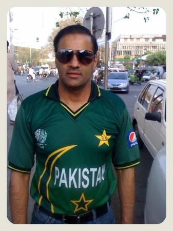 Abid Sher Ali In Pakistan Green Shirt