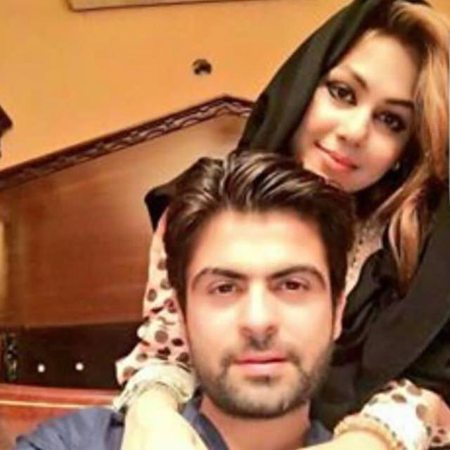 Ahmed Shahzad Selfie With Wife