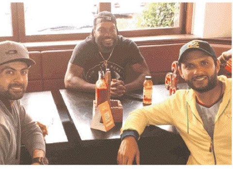 Ahmed Shehzad Shahid Afridi And Chris Gayle At Friendly Lunch
