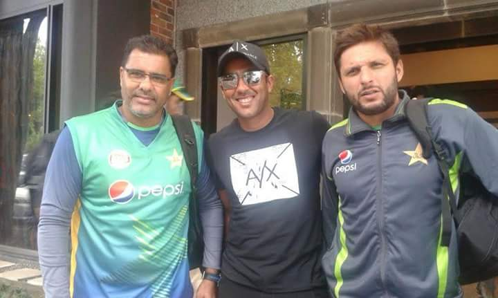 Aisam-ul-Haq is pictured with Waqar Younis and Shahid Afridi