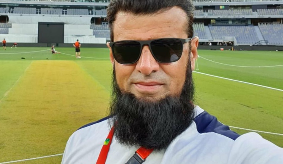 Aleem Dar Offers Free Food At His Restaurant For The Needy One