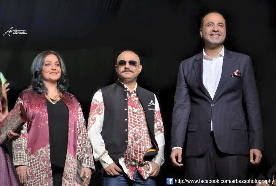 Ali Azmat And Pooja Bhatt As Show Stopper For Deepak