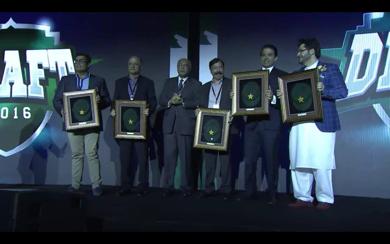 Baggy Pakistan Green Caps Presented To All Franchise Owners At The PSL Draft