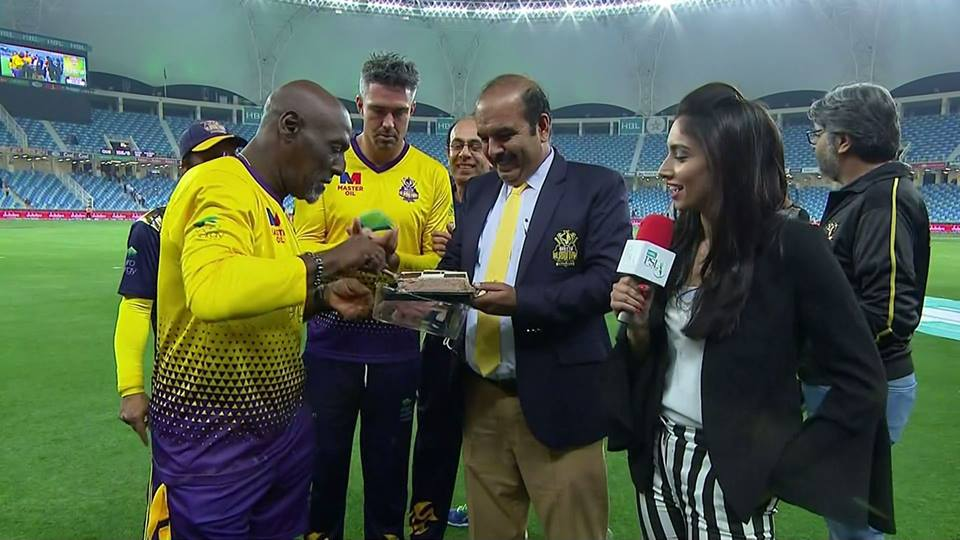Birthday Celebration Of Sir Viv Richards After Won The Match Against Multan