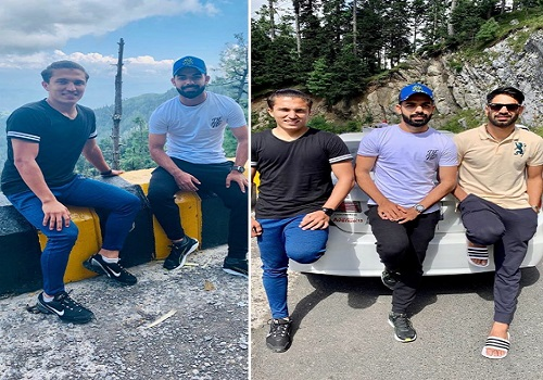 Boys Exploring The Beautiful Place Murree During The Rest Days Of Cricket