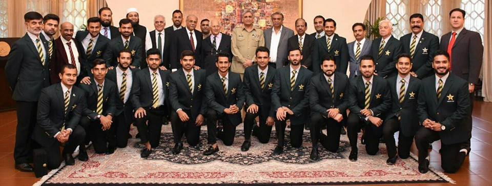 Champions With General Qamar Jawed Bajwa