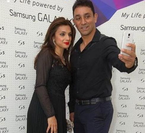 Cricketer Azhar Mahmood With His Wife Ebba Quresh