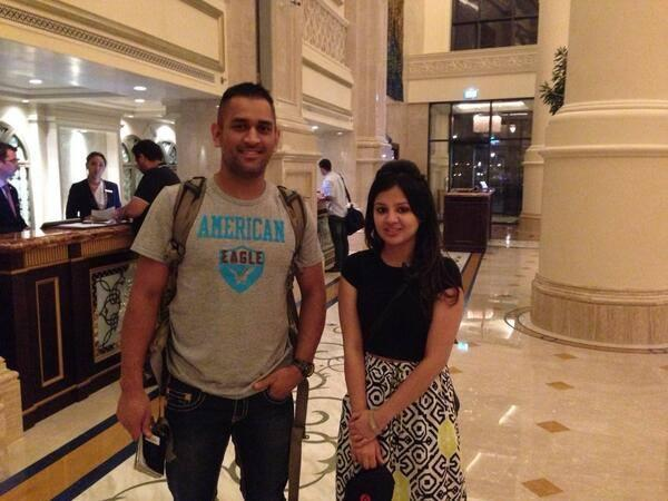 Dhoni And His Wife Arrived In UAE‬ For Pepsi IPL