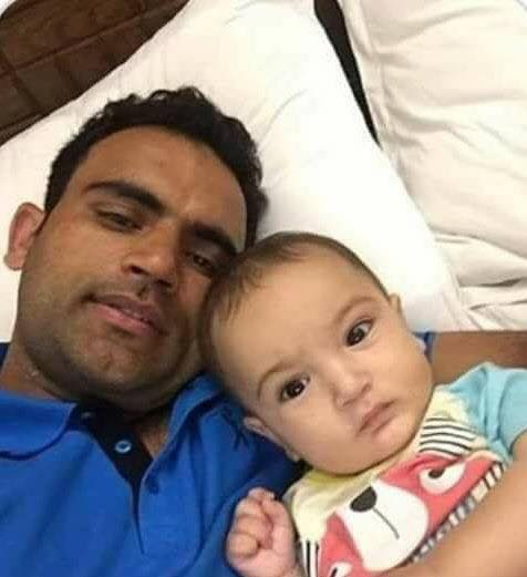 Fakhar Zaman Clicks A Selfie With Son