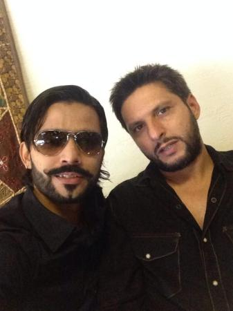 Fawad Alam With Shahid Afridi Latest Picture