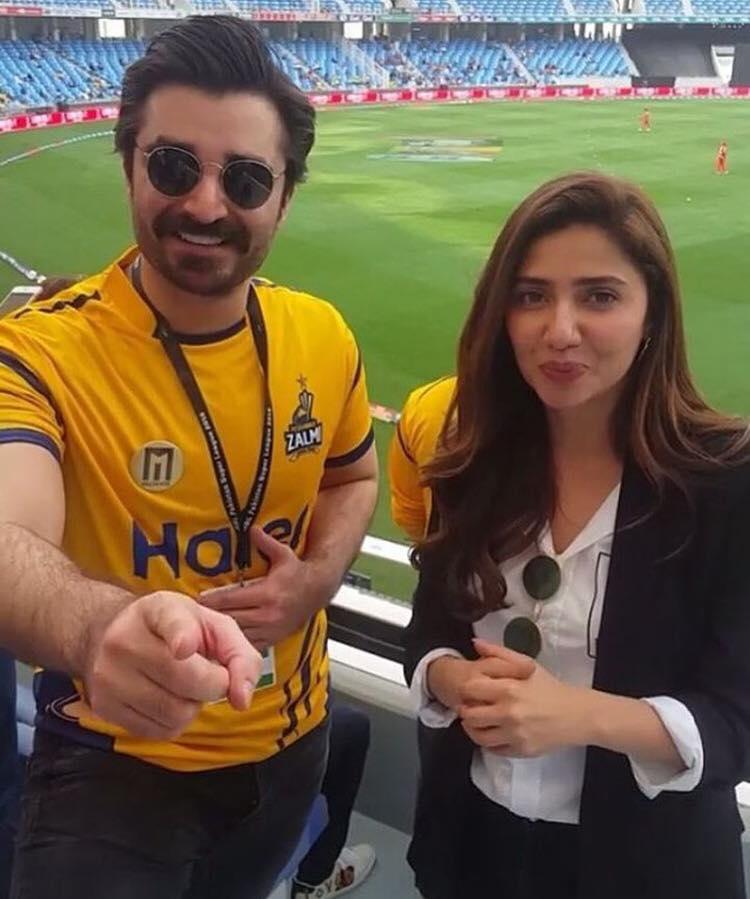 Hamza Ali Abbasi & Mahira Khan in Dubai To Support Peshawar Zalmi