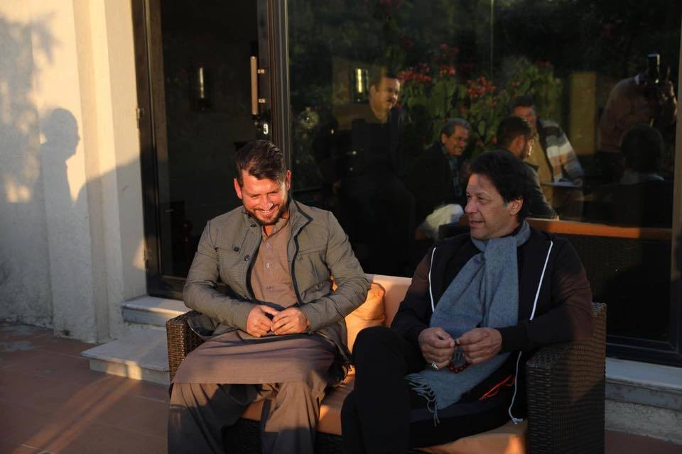 Imran Khan Praised Yasir Shah's Ability During Their Meet Up In Islamabad